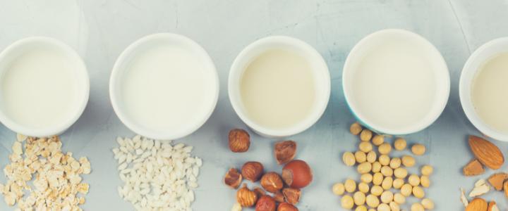 Welke plantaardige melkvervanger past bij een koemelkvrij dieet?